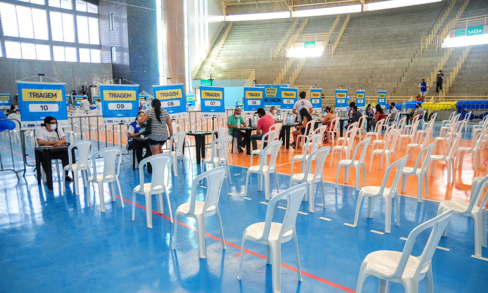 Covid-19: Ginásio Municipal abre as portas como Centro de Vacinação e faixa etária cai para 29 anos +