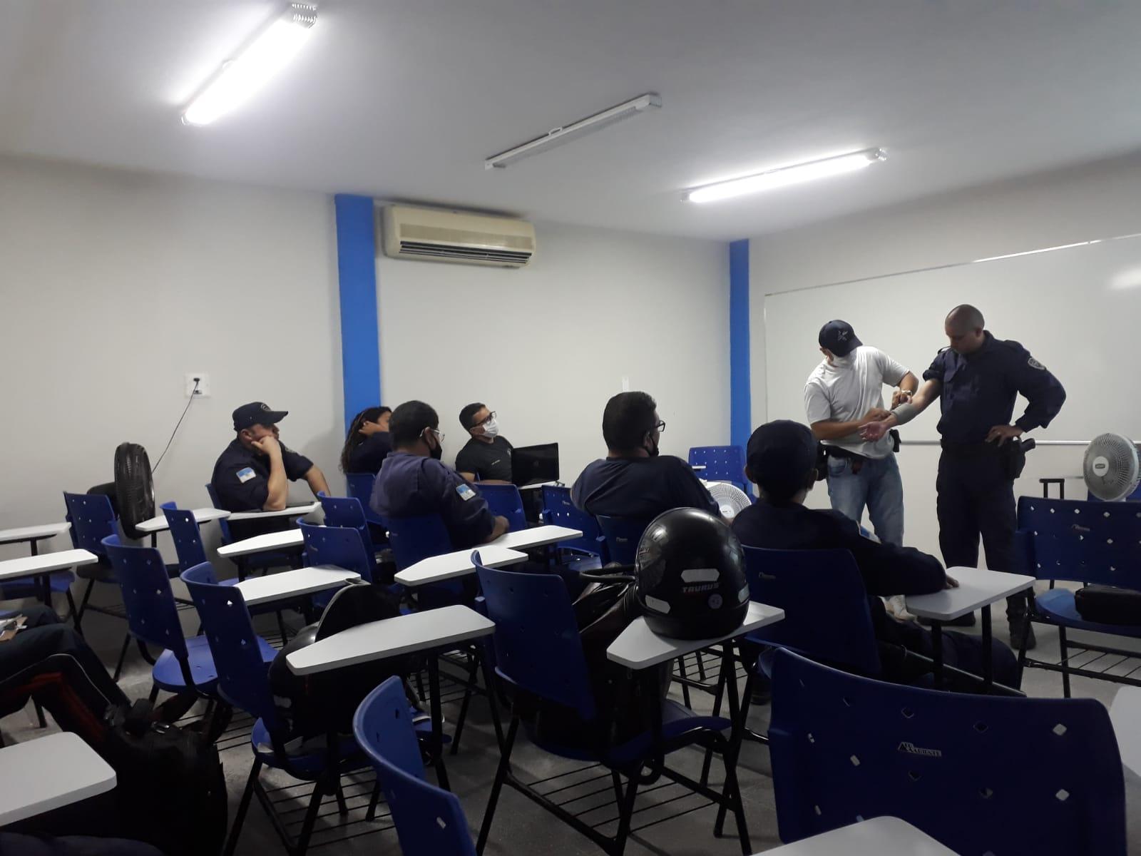 Secretaria valoriza guardas municipais promovendo cursos de capacitação