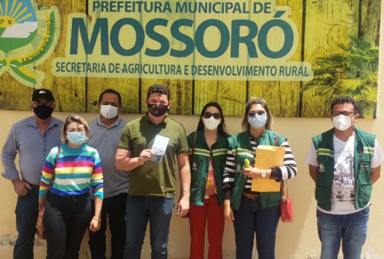 Serviço de Inspeção Municipal apresenta ações de saúde pública à comitiva de Janduís