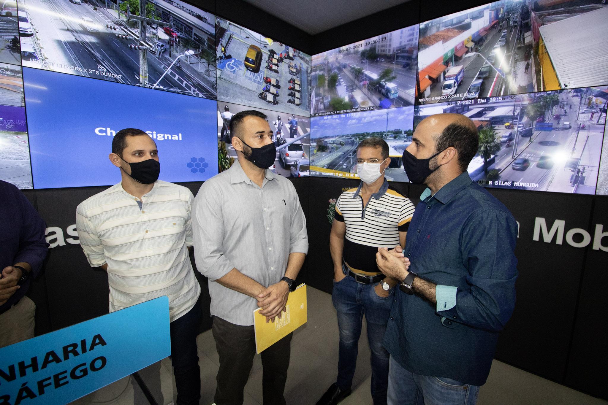 Secretaria busca novas tecnologias para salvar vidas no trânsito