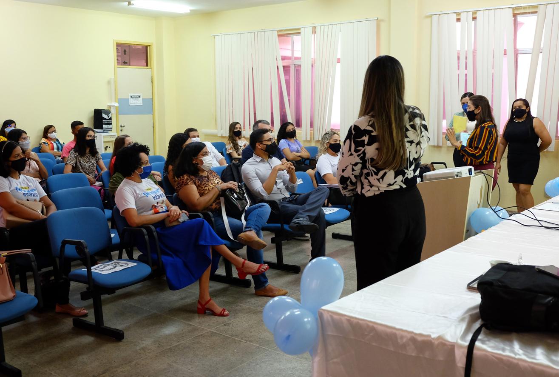 Secretaria realiza acolhimento de novos estagiários do Programa Criança Feliz