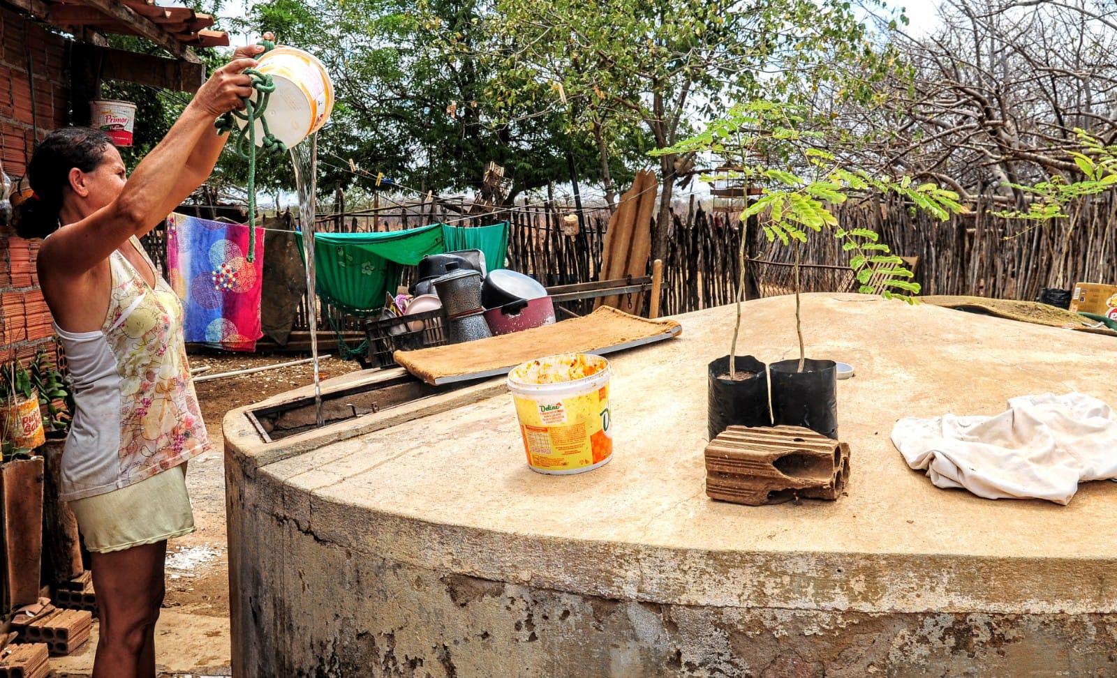 Ajuste em adutora regulariza abastecimento de água no Sítio Independência