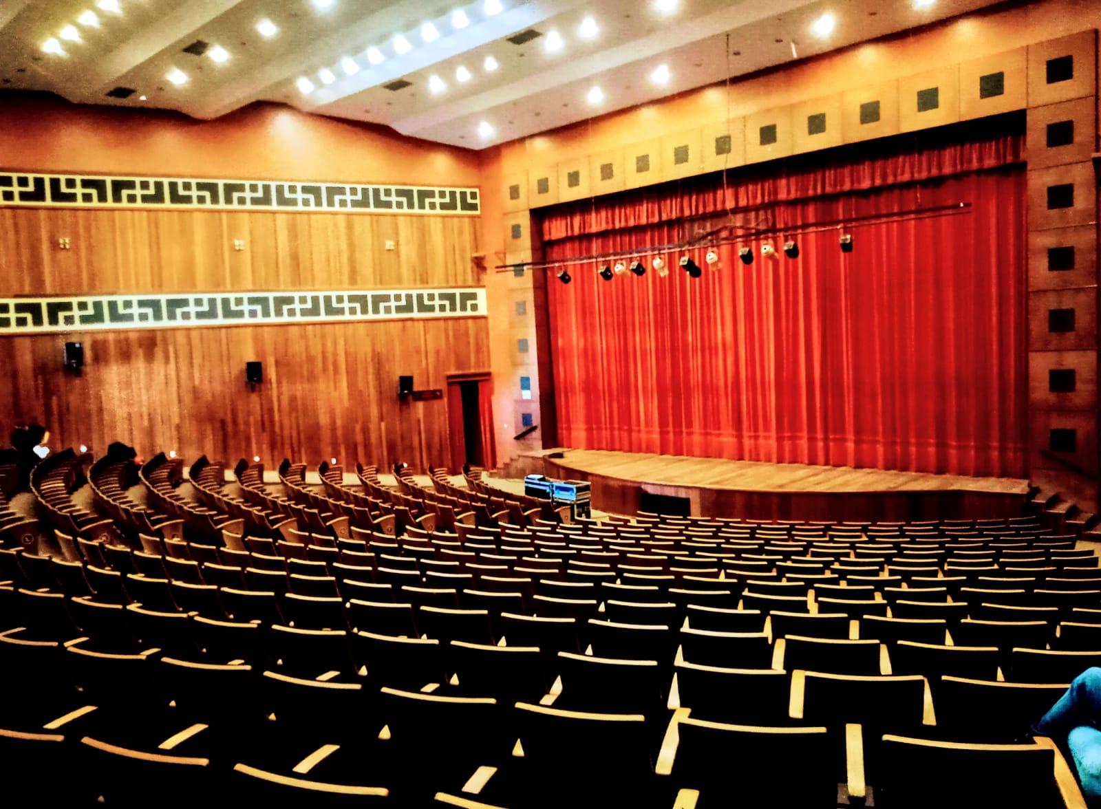 Teatro Municipal completa 17 anos com previsão de investimentos que trarão melhorias